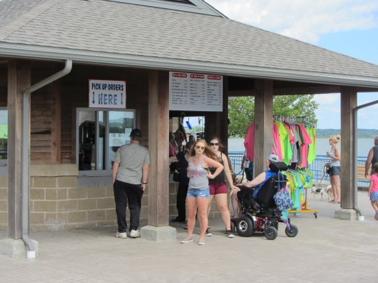 Linesville, Pensilvania: Snack bar at Pymatuning Spillway