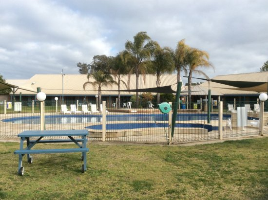 Murray Valley Resort: Nice outdoor pool area for the warmer weather