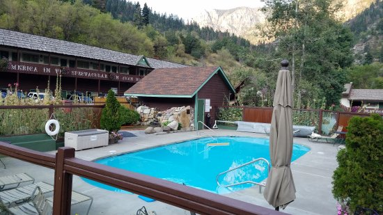 Twin Peaks Lodge & Hot Springs: 20170907_075527_large.jpg