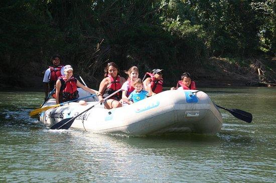 Flotador de Safari del Río Peñas...