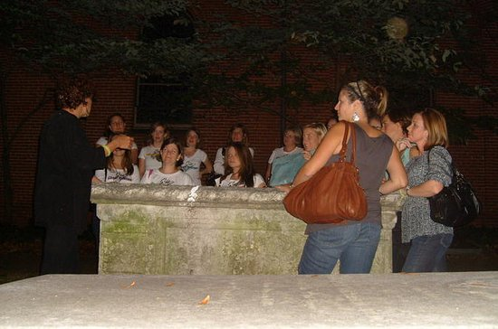 Walking Ghost Tour of Historic Annapolis
