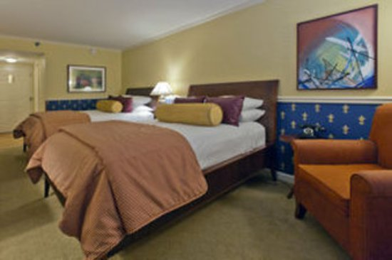 Glidden House: Traditional Double Bed Guestroom