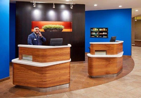 Vallejo, Califórnia: Front Desk