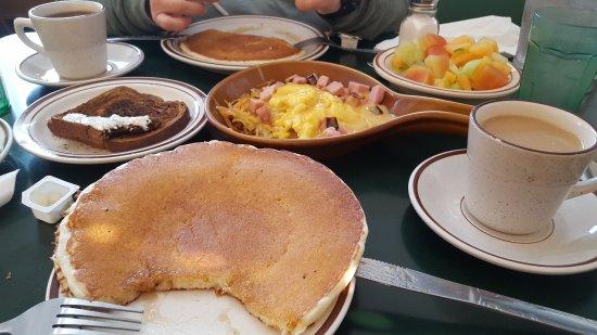 Granny's Restaurant: 20170907_091551_large.jpg