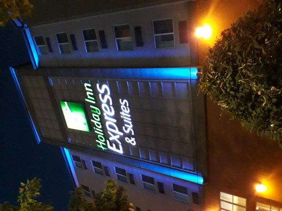 Holiday Inn Express Seattle City Center: 20170827_203847_large.jpg