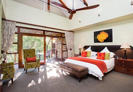 Centurion, Republika Południowej Afryki: Superior King Guest Room - Sleeping Area