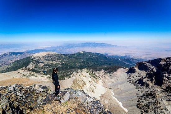 Great Basin National Park, Νεβάδα: My 13 year old daughter looking back down towards Stella and Teresa Lakes.