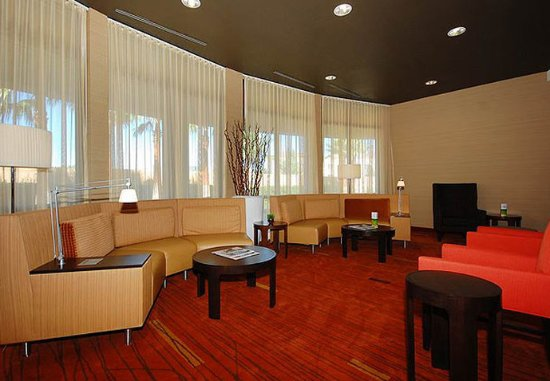 Merced, CA: Lounge Area