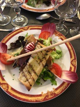 เควสเทมเบิร์ท, ฝรั่งเศส: Un moment agréable un repas délicieux