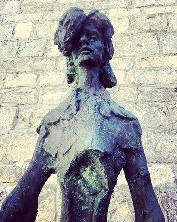 Osor, Croatia: Musica e scultura