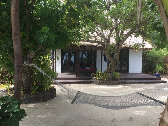Navutu Stars Fiji Hotel & Resort: Our bure and hammock