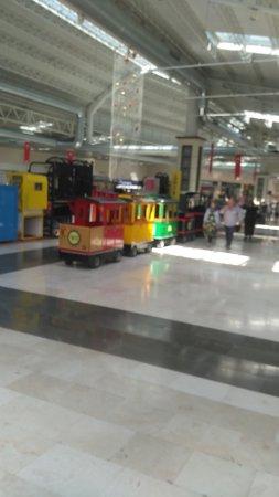 Bozuyuk, Tyrkia: Çok güzel bir alışveriş merkezi