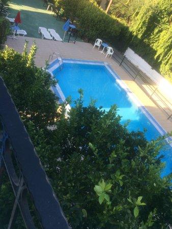Antigoni Apartments: Vicki and Ellen's Summer holiday 2017.
