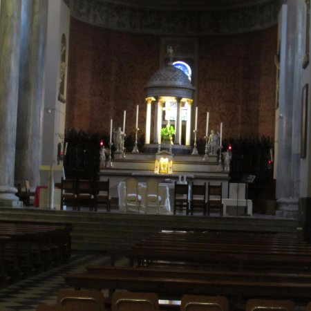 La Collegiata dei SS. Gervasio e Protasio : altare maggiore
