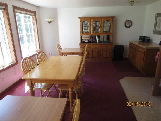 The Landmark Inn: coffee room