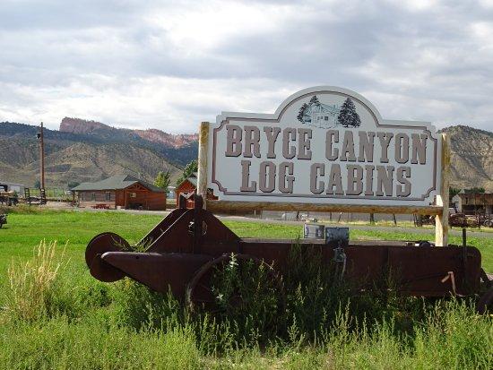 Bryce Canyon Log Cabins Image