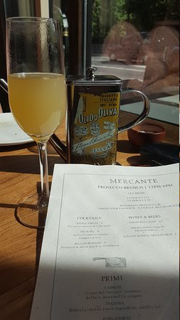Brunch and unlimited prosecco