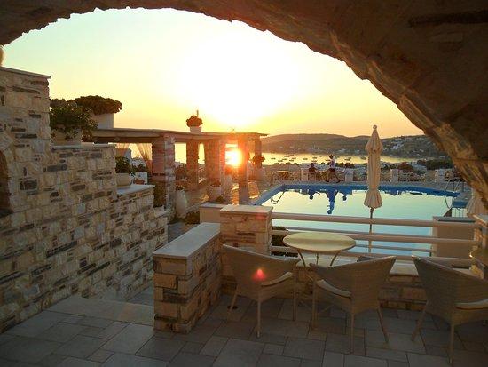 Sunset View Hotel: IMG-20170909-WA0005_large.jpg