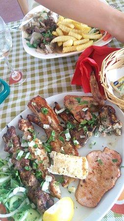 s&n cyprus tavern: Можно до моря не дойти после обеда..