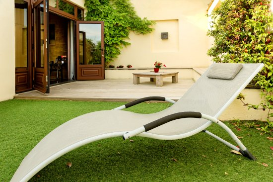 Moulon, Francia: TERRASSE CHAMBE FRENCH KISS Terrace Deluxe double room