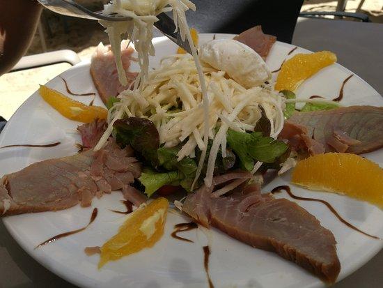 La Varangue du Lagon Chez Denis : salade de palmiste et fumé de marlin