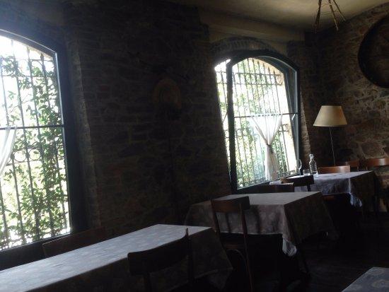 Civitella Marittima, Italy: interno del locale