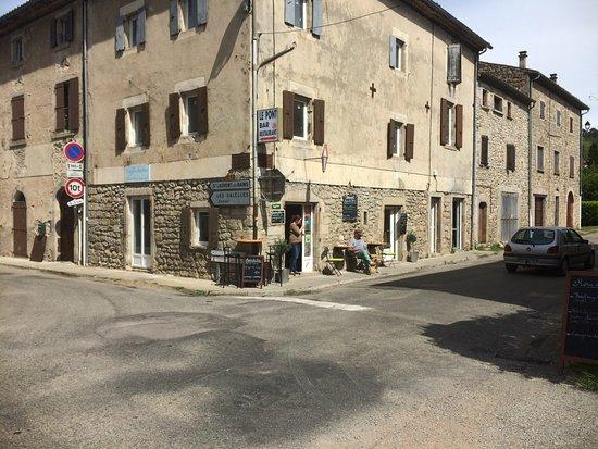 Chez Jeanne et Raphael : Quartier du Pont