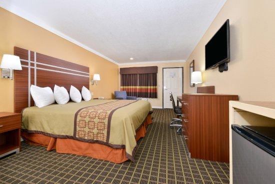 Azusa, Californien: One King Bed