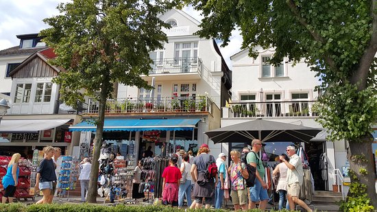 Alter Strom: restaurants and cafes