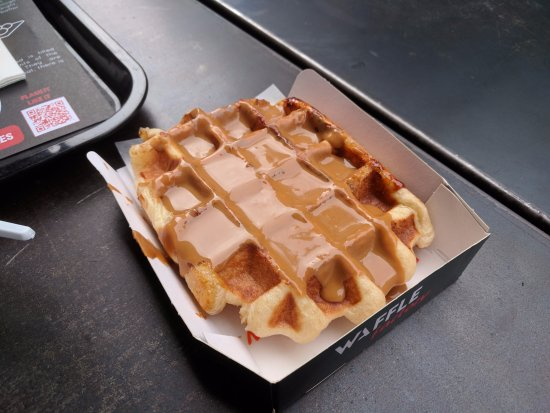 Waffle Factory: Liege waffle (with Speculoos) - get this one!