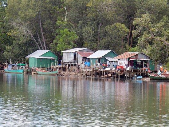4 Rivers Floating Lodge: photo2.jpg