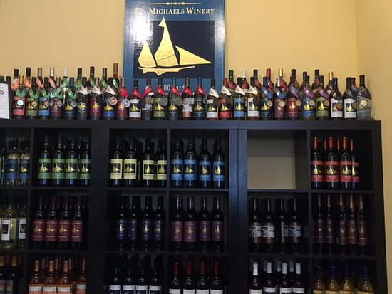 St. Michaels, MD: The Wall of Wine