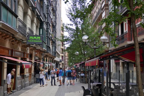Die Calle Ledesma Fotografía De Visenta Ledesma Bilbao Tripadvisor