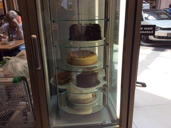 Randburg, Südafrika: Cake fridge