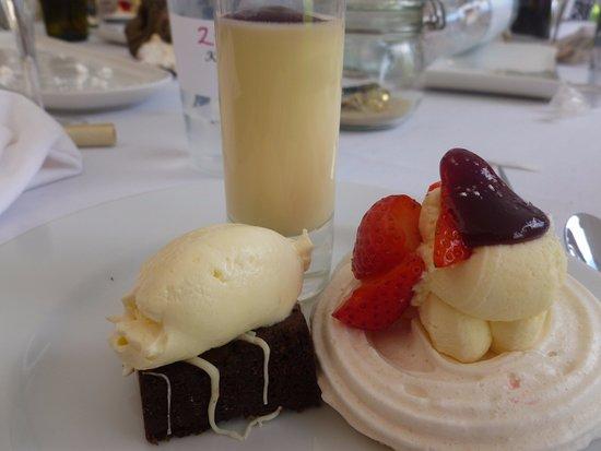 Wickham, UK: Our desserts