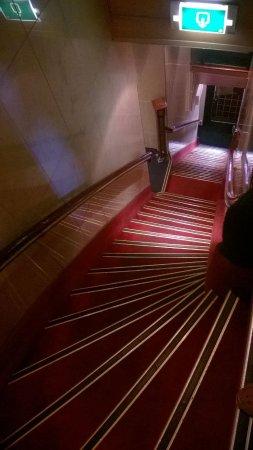 Hotel Nadia: Escalera hasta la recepcion.....