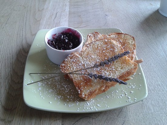 Landford, UK: Brioche toast with Blackcurrant jam.....