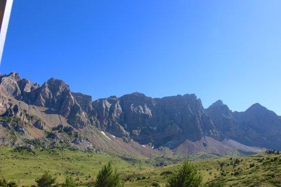 Tramacastilla de Tena, Spain: Panorama desde trenecito valle de Tena