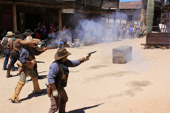Apache Junction, AZ: Mock gunfights at high noon - just like in the Old West.