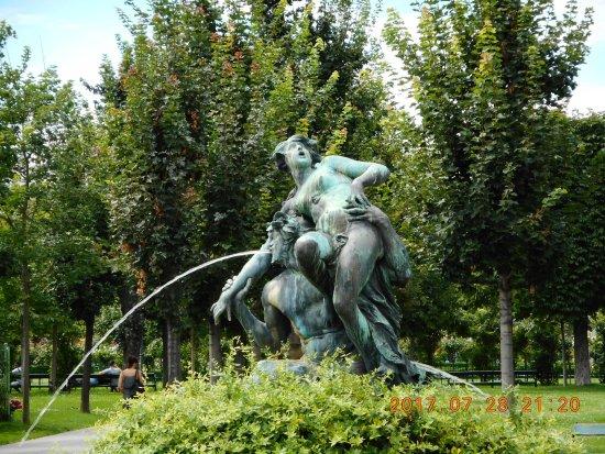 Triton- und Nymphenbrunnen