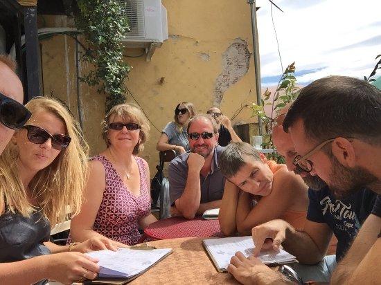 El Viajero: Un après-midi madrilène chaleureux bonne cuisine ambiance locale accueil chaleureux également un