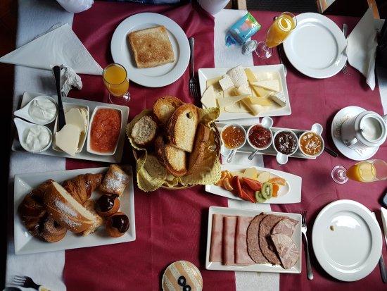 Masia d'en Valenti: Completísimo desayuno