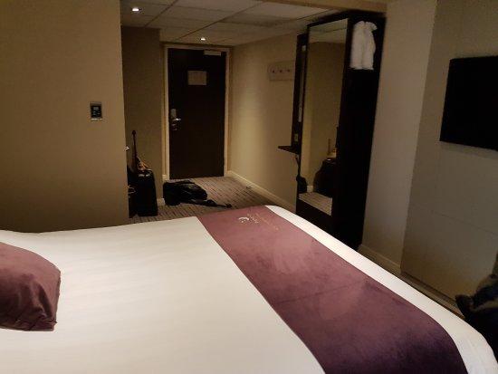 Premier Inn London Hanger Lane Hotel: 20170908_135629_large.jpg