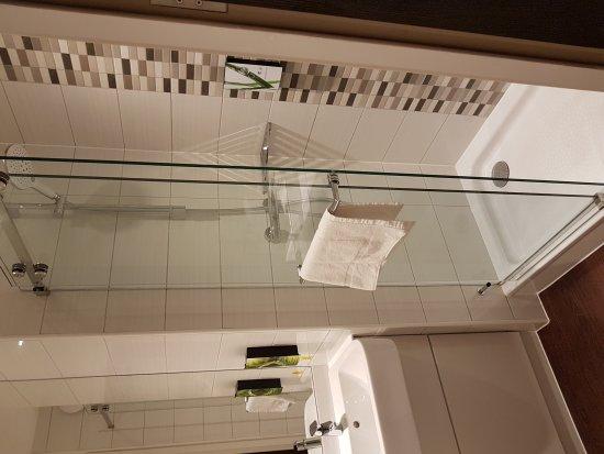 Premier Inn London Hanger Lane Hotel: 20170908_135656_large.jpg