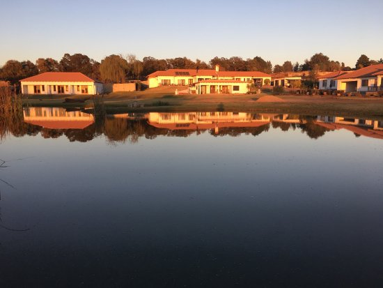 Benoni, Sydafrika: View of Bottom of Boden, sunrise and rooms