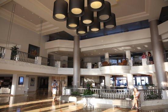 Hotel Foyer Malta : Malta st julian s radisson blu hotel chambre picture