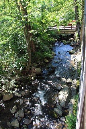 Sidney James Mountain Lodge Image
