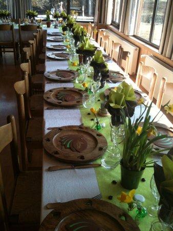 Chatillon-sur-Cluses, Frankrig: préparation de banquet