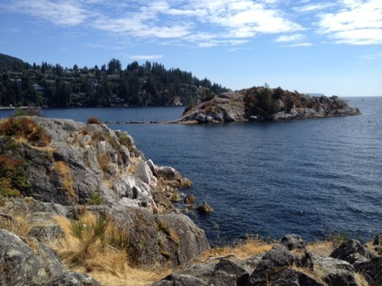West Vancouver, Канада: Wytecliff Park on top of cliffs