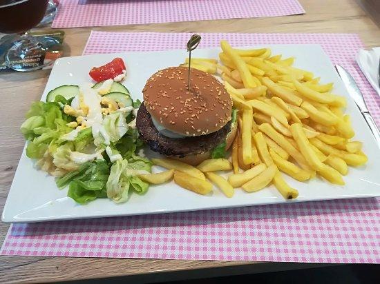 Hoboken, Belgique: Hamburger en frietjes